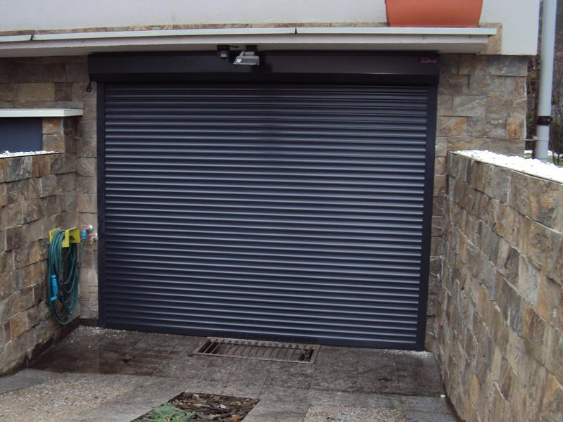 Porta del garage avvolgibili omnieurope - Porta del garage ...
