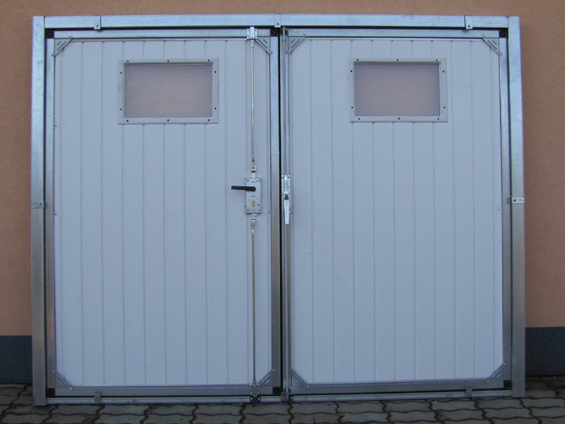 Porta del garage battente omnieurope - Porta del garage ...